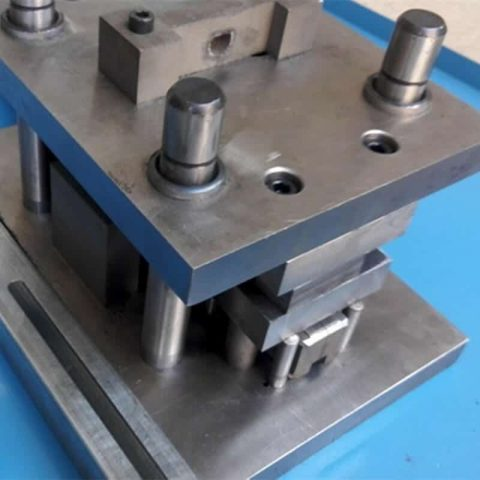 Heavy duty punch and die molds
